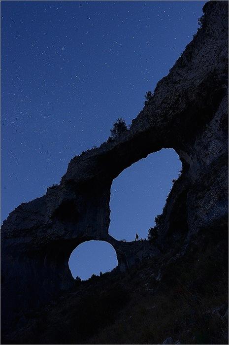 Senderismo nocturno en Els Arcs – Premio Información de fotografía «Diario Información | Las mejores fotografías de senderismo en la provincia de Alicante 2012»