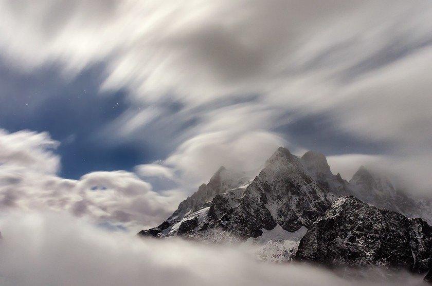 Entre nubes y glaciares